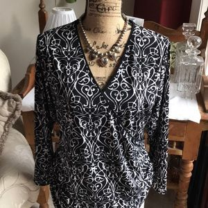 Black and White soft jersey blouse by Tahar!